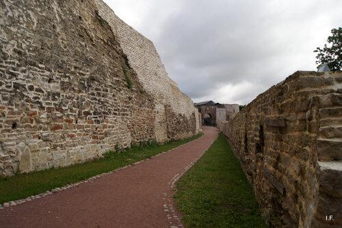Непобедимая крепость