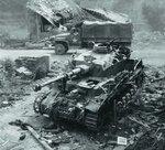 GMC-353 & разбитый танк Т-IV Sd. Kfz 161