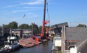 В Нидерландах упали подъемные краны – 20 человек пострадали
