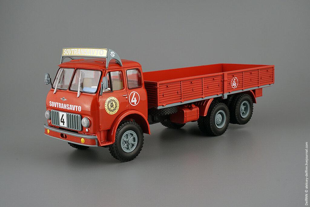 МАЗ-516-01.jpg