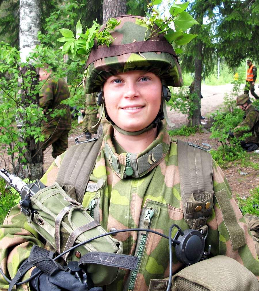Очень грозная сила: Девушки в армейской униформе (13)