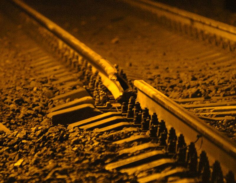 Основной способ, помогающий найти изъяны у различных элементов железнодорожного транспортного канала, заключается в использовании ультразвукового оборудования.
