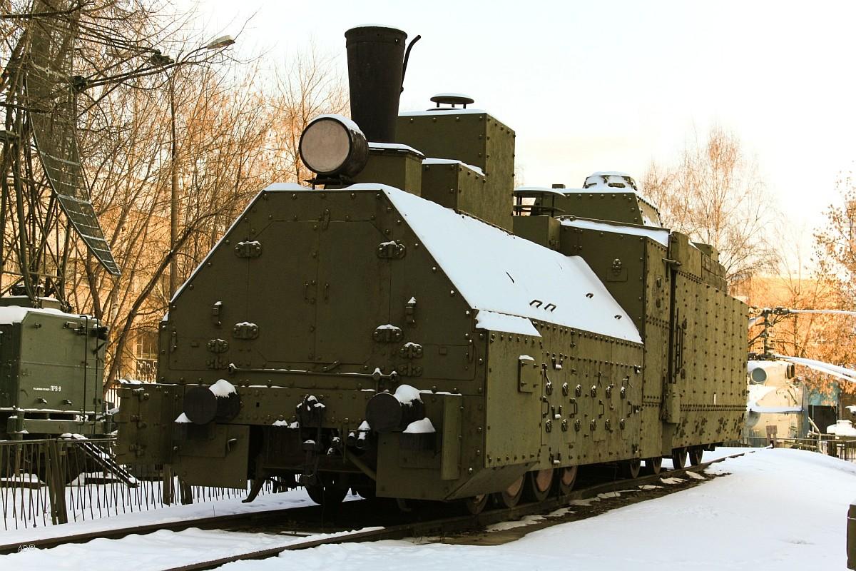 Бронепоезд времен гражданской войны в России Красновосточник