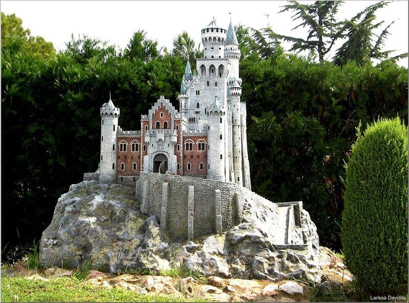 Маленький замок своими руками 376