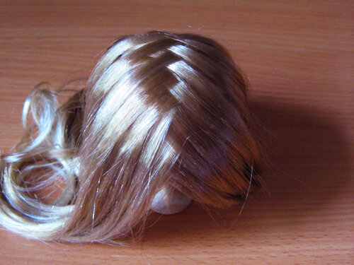 Как сделать кукле волосы гладкие