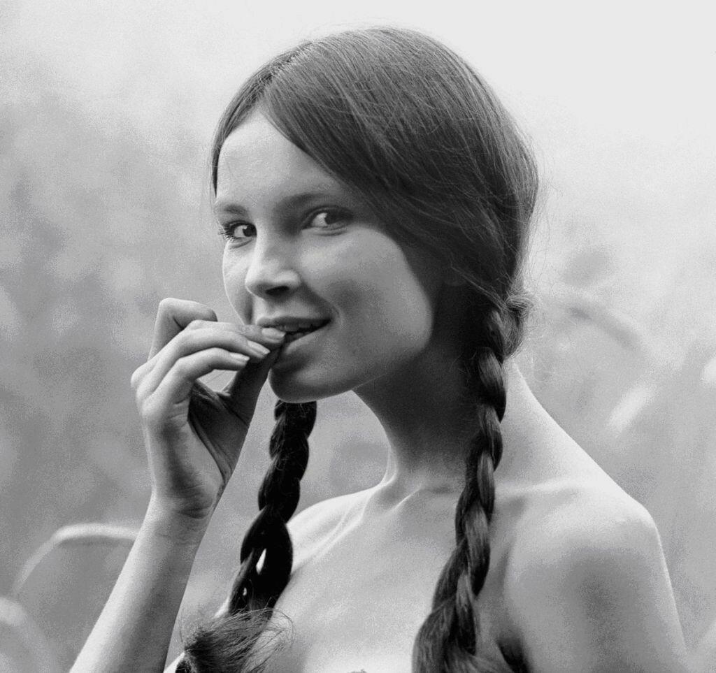 Wojciech Plewiński, a portrait of Anna Dymna, Kraków, 1970.jpg