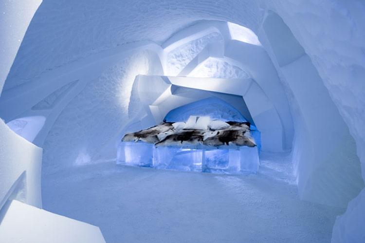ice-hotel-sweden-17.jpg