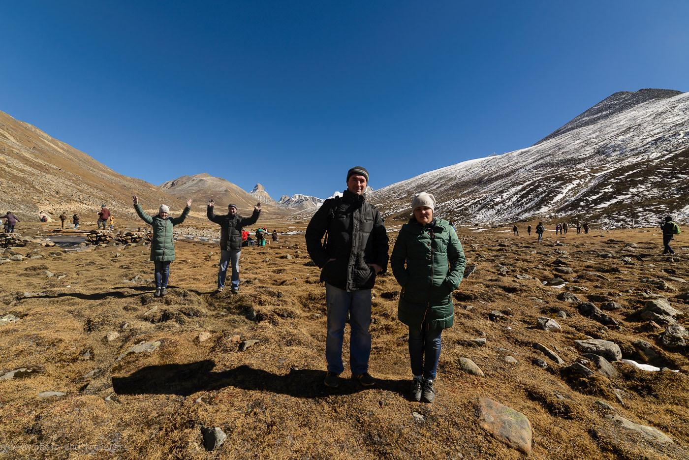 Фотография 5. Как снизить дискомфорт от горной болезни? Вести себя как те туристы, что на переднем плане, а не те, что вдали… Отчет о поездке в Гималаи в Индии.