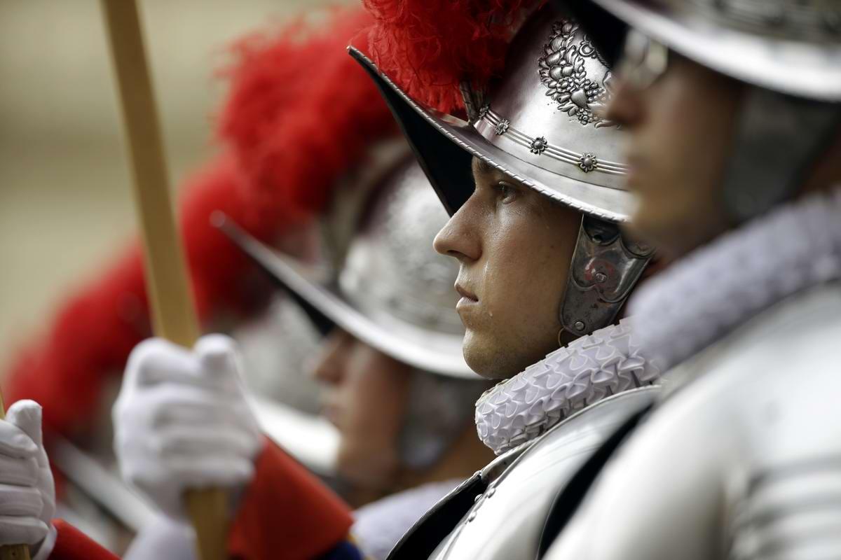 Швейцарская гвардия Ватикана: Новобранцы присягают на верность Папе Римскому (29)