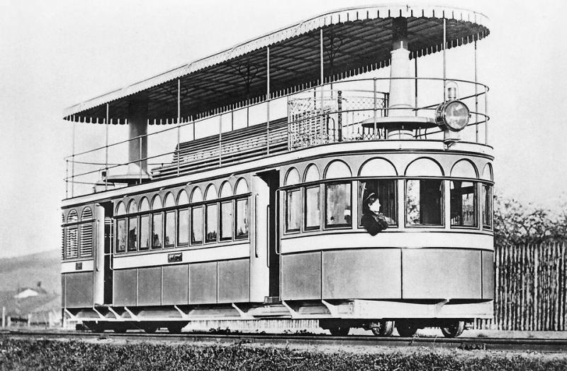 паровой рельсовый омнибус Брюннера был построен во Франции в 1876 году..jpg