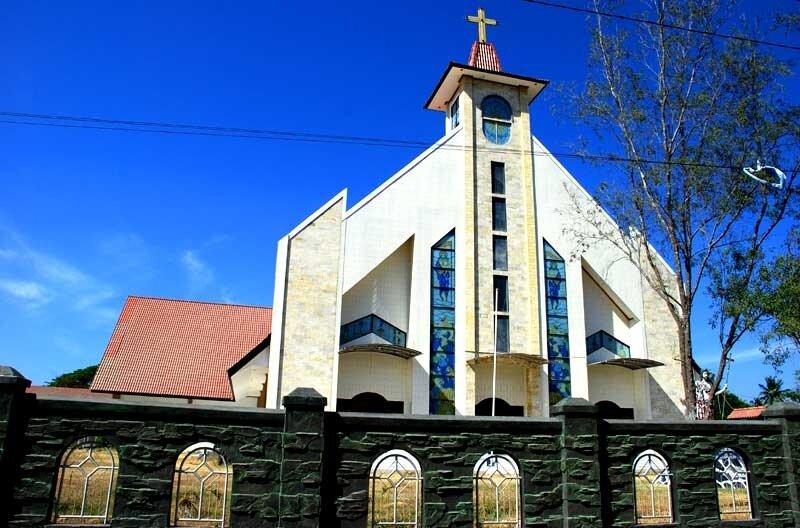 Католический собор в Ваингапу (о.Сумба)