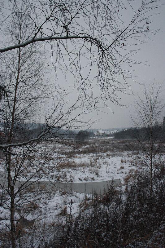 Вид на реку и поселок