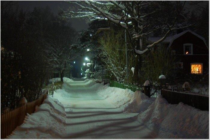 Тихая вечерняя зимняя таинственная...