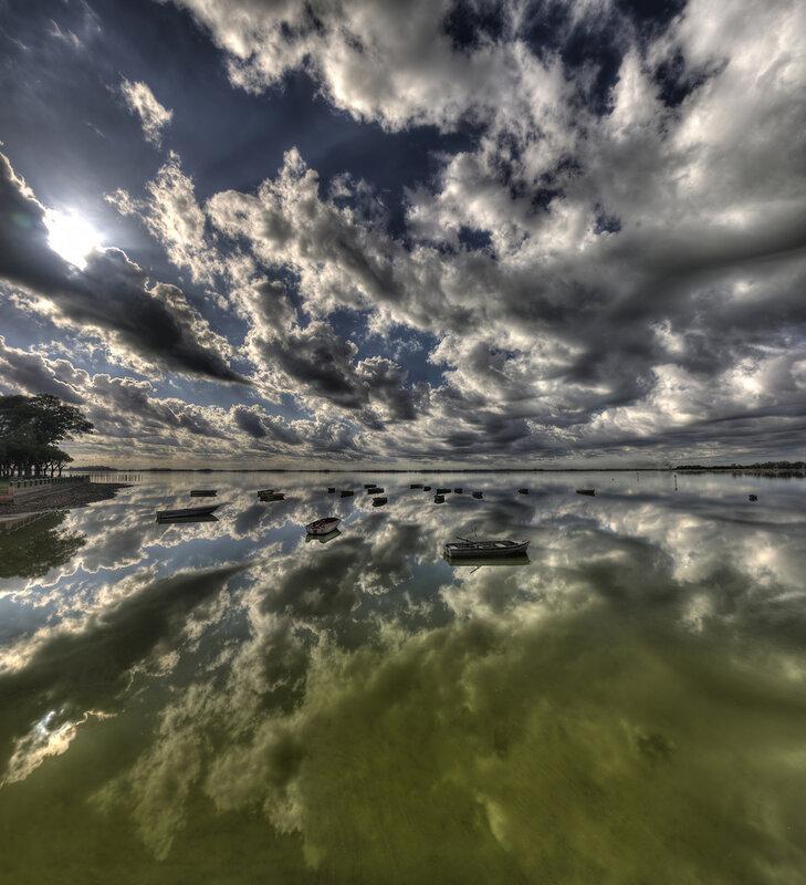 вода как зеркало