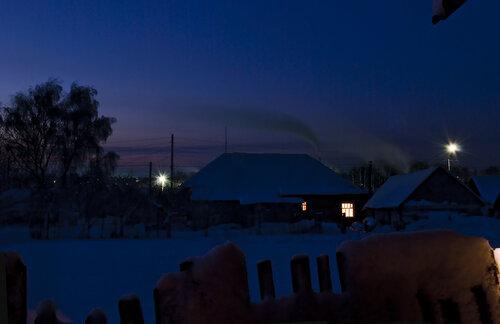 Пока я выискивал на одном месте лучший ракурс, стемнело :( И замерз как собака, пришлось идти в баню греться пивом :)