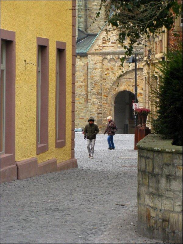 Выход на площадь Кафедрального собора