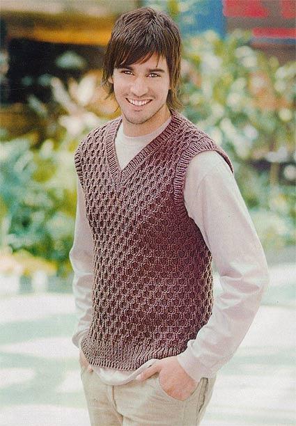 Мужской пуловер без рукавов