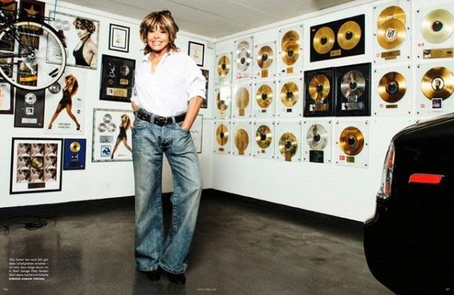 Тина Тернер в фотосессии для Vogue German