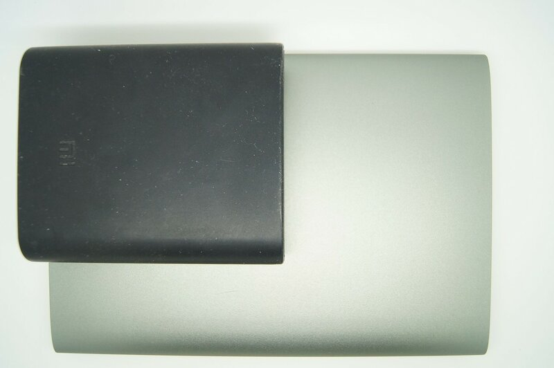 Aliexpress: Повербанк Vinsic 20000 mAh - тонкий и ёмкий