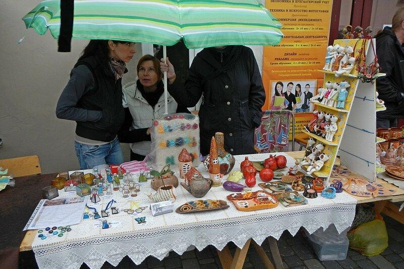 Керамика и сувениры - «Вятский Арбат» в день города-2015 на пешеходной улице Спасской