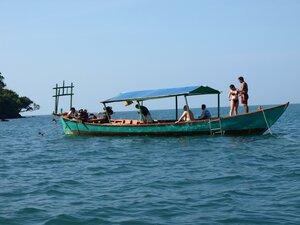 А экскурсия - на такой лодке