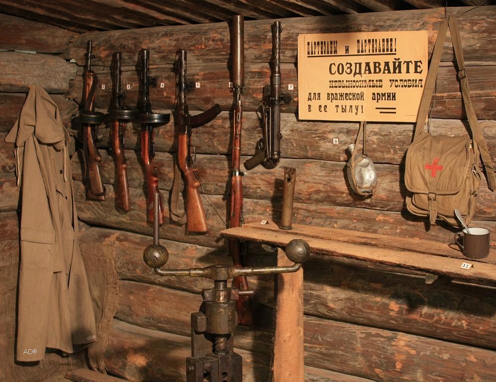 партизанский ручной пресс для механической переделки трофейных патронов под советское оружие