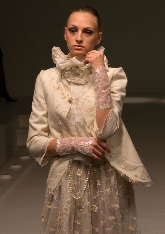 Нарядный женский костюм