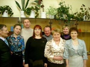 Выпускники 1990г со своим бывшим классным руководителем