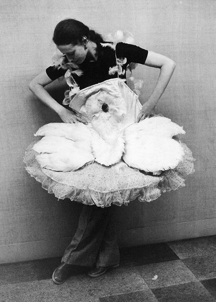 Плисецкая примеряет пачку легендарной русской балерины Анны Павловой .jpg