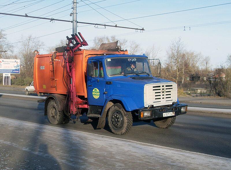 В Челябинске.  ЗИЛ.  Боковая загрузк…