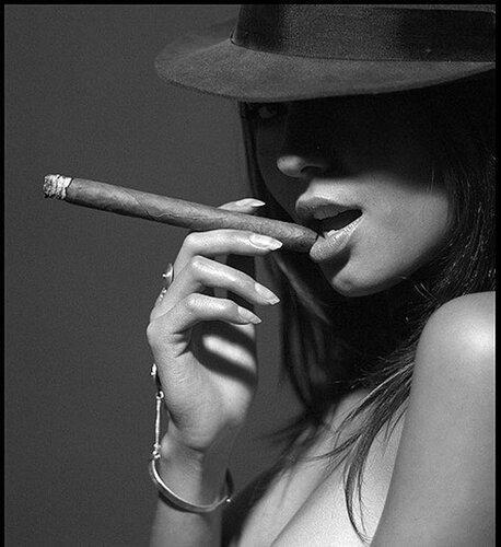 Курящие дамы (33 фотки) .