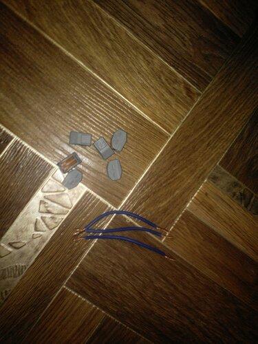 Срочный вызов электрика аварийной службы в квартиру из-за оплавления распределительной коробки