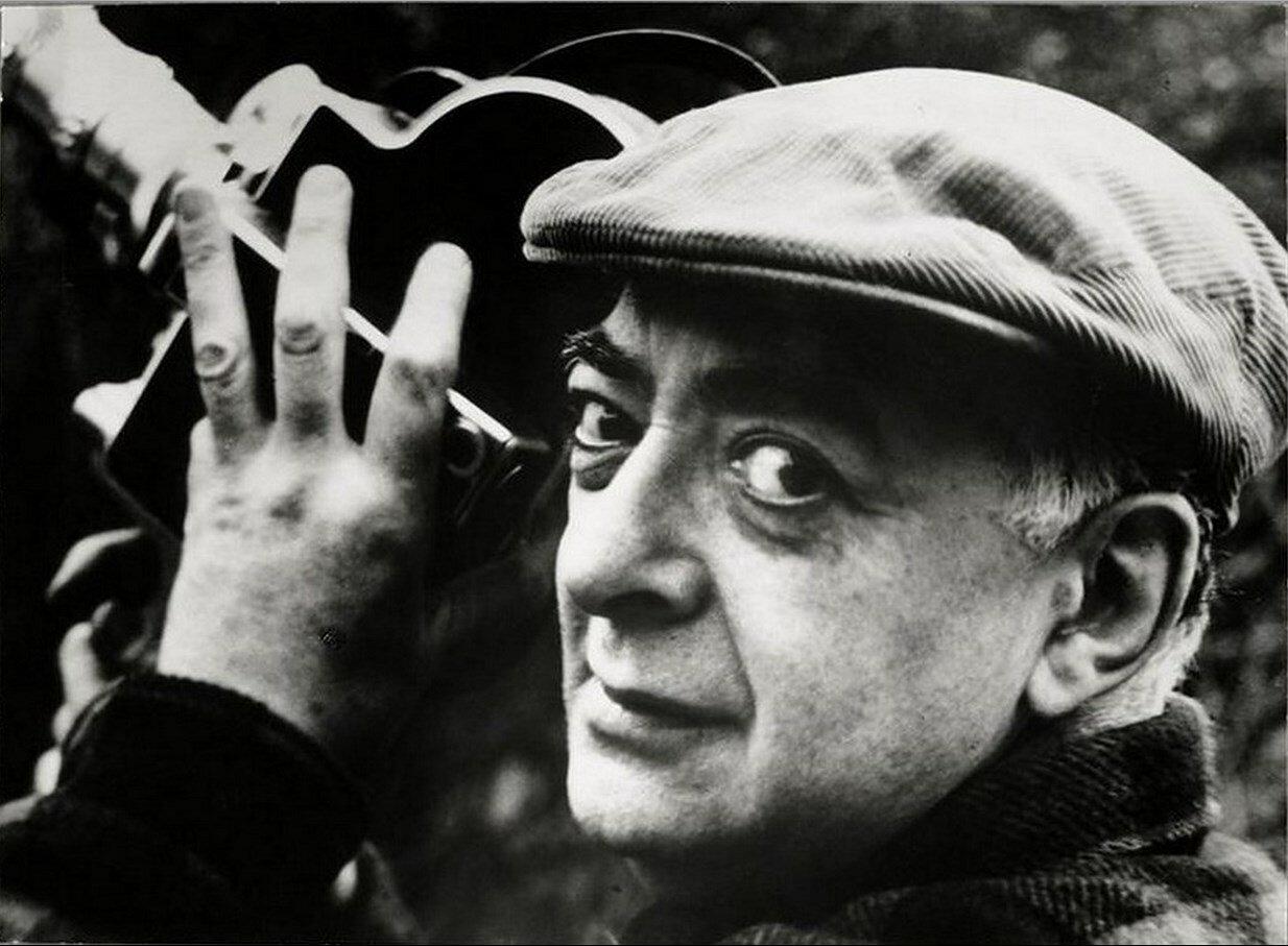 1955. Автопортрет с камерой