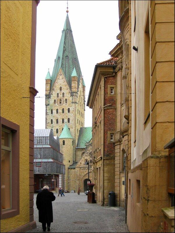 Старая улица в Падерборне, Кафедральный собор Падерборна