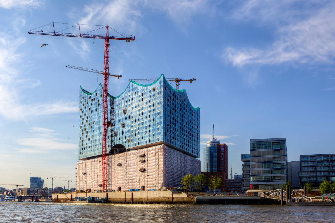 13 Фото: Michael S. Schwarzer Стоимость : $1,027,510,000 Город : Гамбург (Германия) Высота : 110 мет