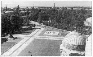 Вид Якорной площади с Морского собора.