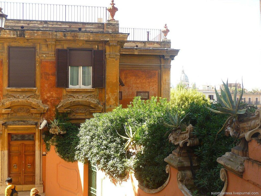 Боковая лестница на площадь Испании.