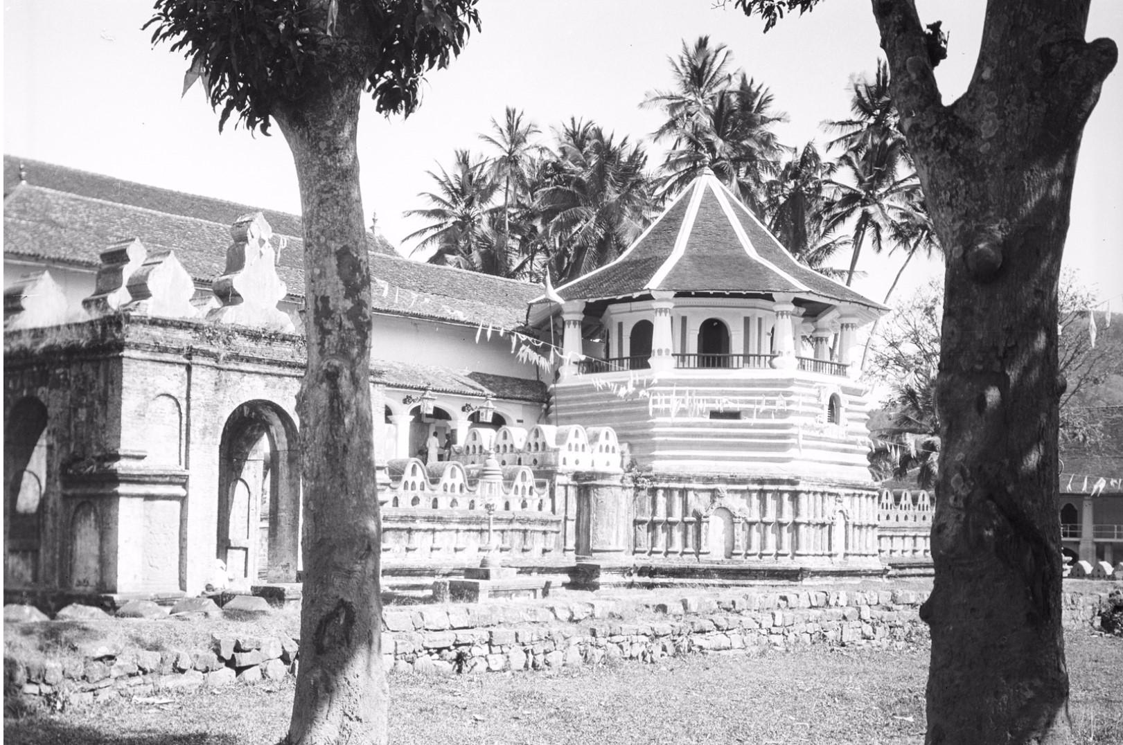 210. Храм Зуба Будды (Шри Далада Малигава) в Канди