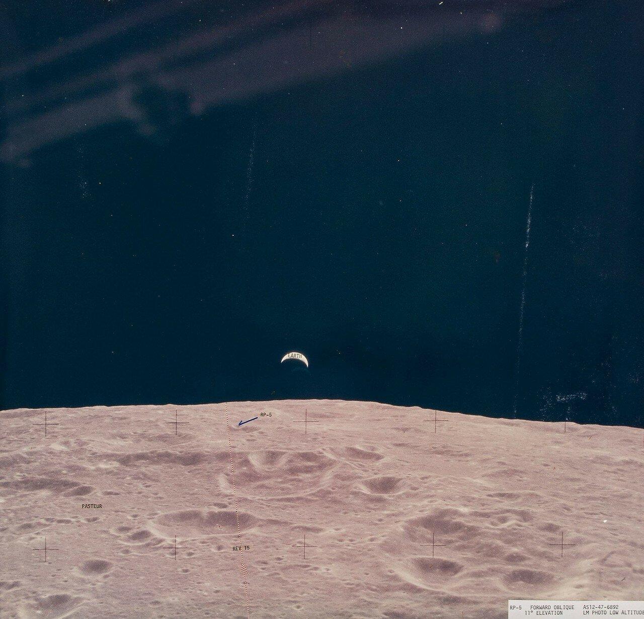Двигатель посадочной ступени лунного модуля был включён в 108 часов 42 минуты 29 секунд полётного времени. На снимке: Ориентиры для Аполлона 14