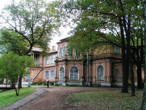 Аптекарский остров. Дача Громова в Лопухинском саду.