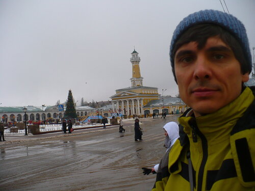 я на центральной Сусанинской площади