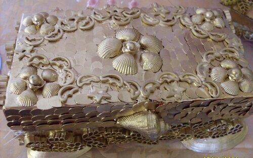шкатулка из макарон и ракушек