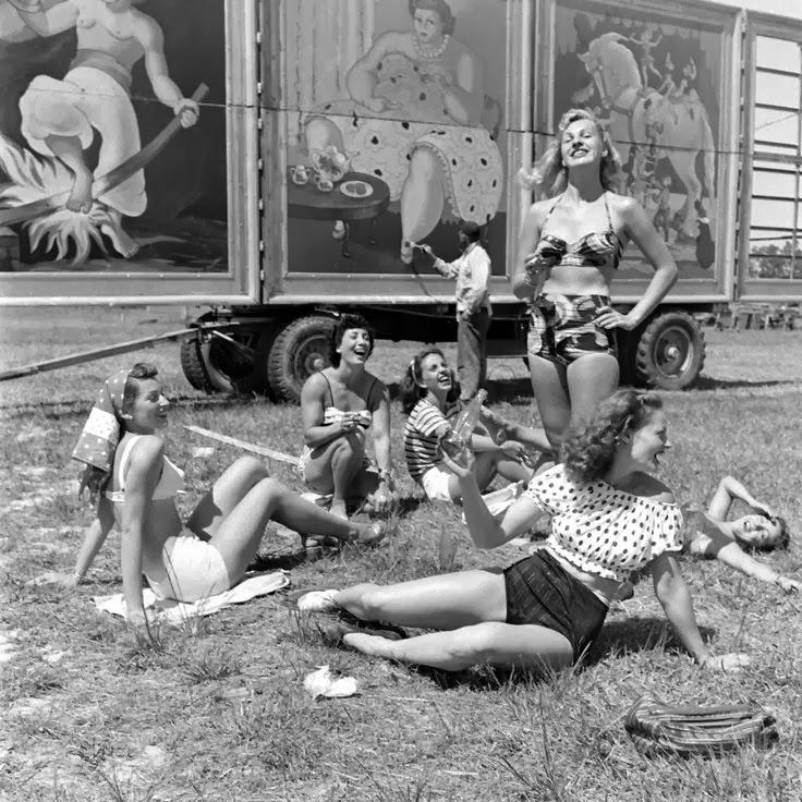 Circus girls,Ringling Brothers' Circus, c.1940.jpg