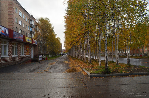 Фото города Инта №7223  Северо-восточный угол Горького 19 16.09.2014_11:47
