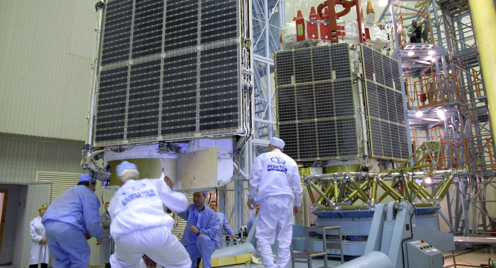 Сборка космических аппаратов на космодроме'Байконур