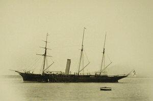 Вид яхты Форос