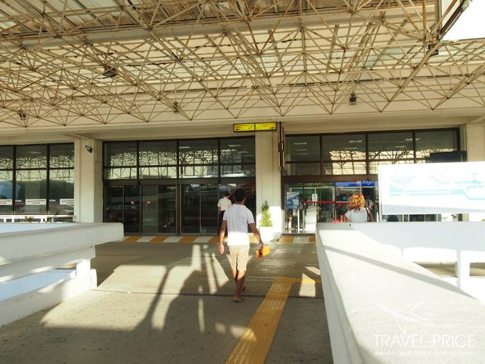 вход в аэропорт Даламан
