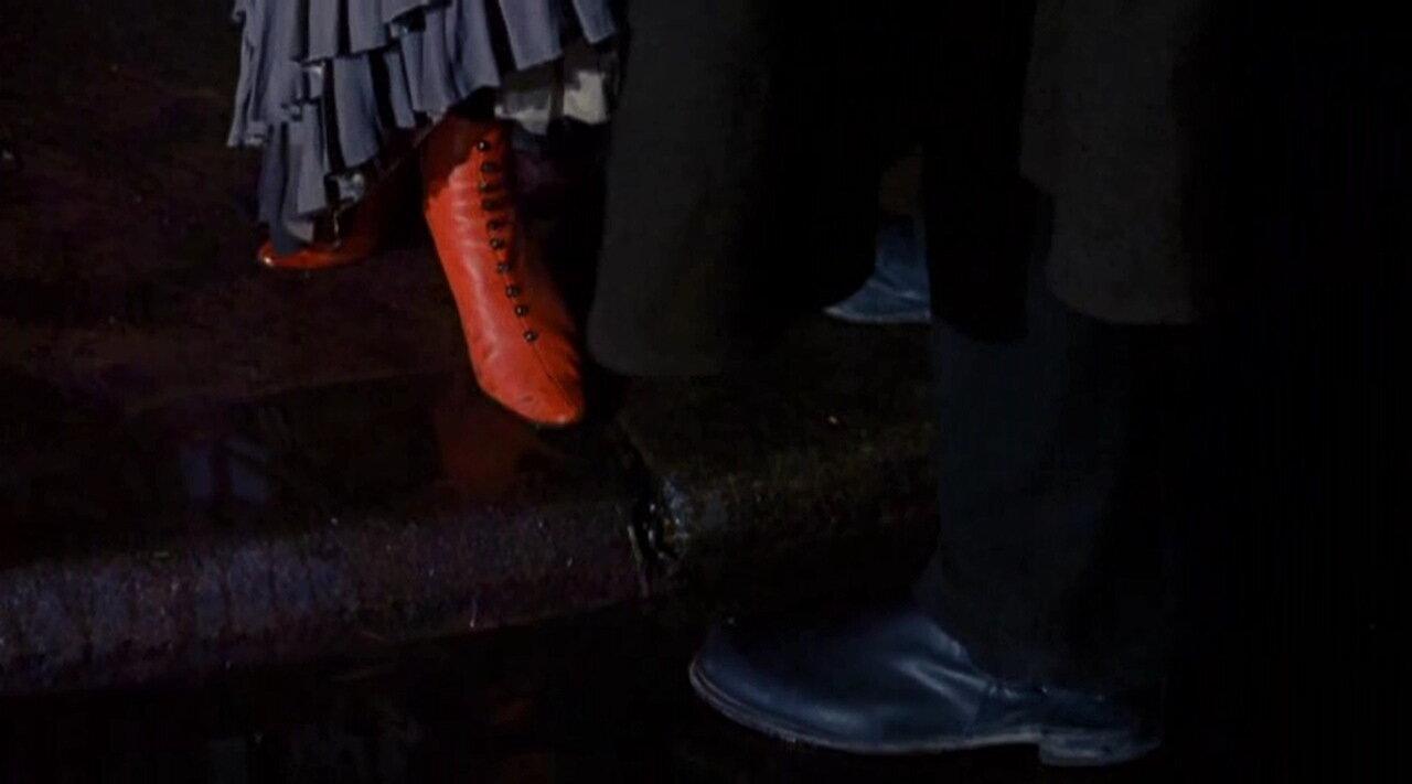 Цветовая дифференциация обуви жертвы и убийцы