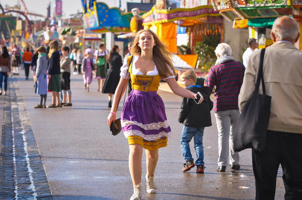 girls-Oktoberfest-(20).jpg