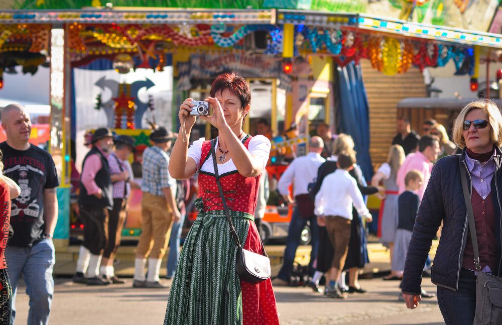 girls-Oktoberfest-(29).jpg